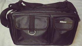 Nikon DSLR/SLR Camera Bag  (Black)