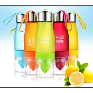 Portable H2O 650 ml Water cum Lemon/Fruit Juice Maker Bottle