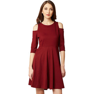 67acedca1d99 Women s Maroon Round Neck 3 4 Sleeves Solid Knee-Long Cold Shoulder Skater  Dress