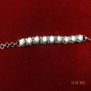 KESAR ZEMS Pearl - Moti Bracelet  KZNB001