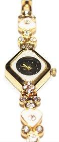 Exclusive Shiny Dial Analog Wrist Watch