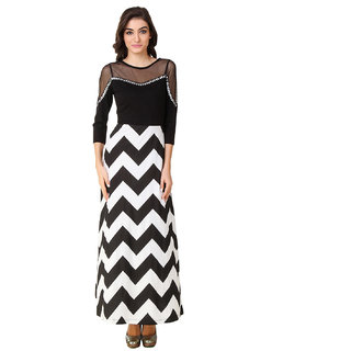 cff1a44bed7 Buy Texco Women Black   White Chevron 3 4 sleeve Round neck Dress ...