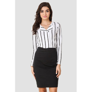 Texco Women Black & White Stripe Full sleeve V' neck Top