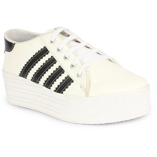 Bella Toes Womens White Sneakers