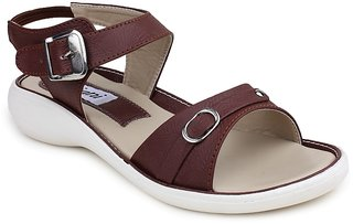Digni Women's Brown Flats