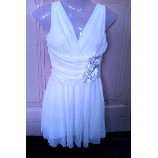 Girls Tops White One-piece Dress For Girls / Women
