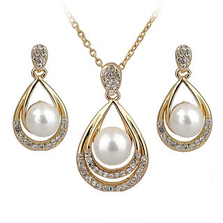 RM Jewellers 92.5 Sterling Silver American Diamond Beautiful Pearl Pendant Set For Women ( RMJPS88847 )