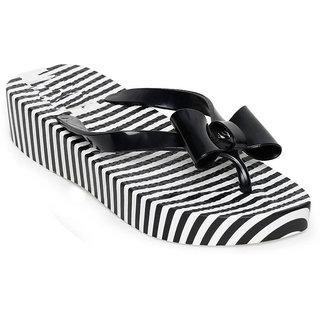 Vaniya Shoes Black Slippers