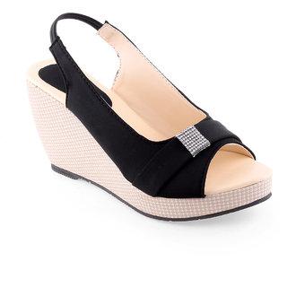 Vaniya Shoes Black Wadges
