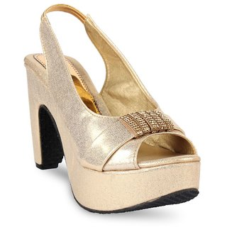 Vaniya Shoes Golden Wadges