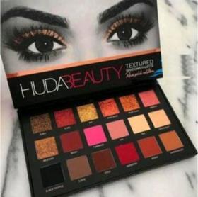Huda beauty textured eyeshadow rose gold edition