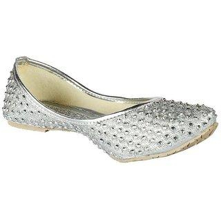 Vaniya Shoes Silver Bellie
