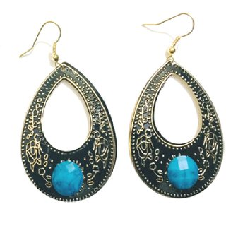 Stylish and Trendy Earrings for Girls and Women from Evonista Collection. Well crafted metallic plated earrings