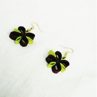 Paper quilling earnings for women