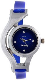 Round Dial Blue Leather Analog Watch For Women 6 MONTH