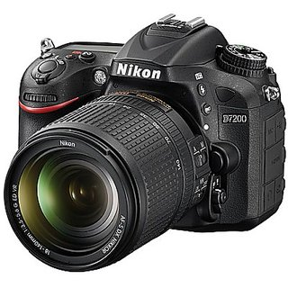 Nikon D7200 DSLR Camera with AF-S 18-105mm VR Kit Lens
