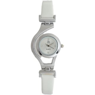 Tru Colors Aachi Analog Quartz White Leather Strap Watch For Womens