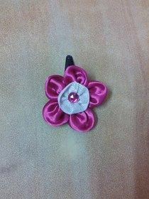 Floral hairclip