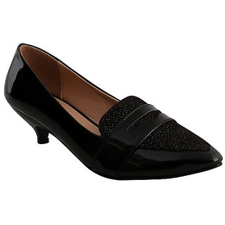 Flora Comfort Black Pointed  Belly Shoe For Women's