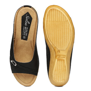 409908a6e Buy Paragon-Solea Plus Women's Black Slippers Online @ ₹399 from ...