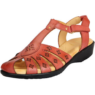 4d1d01eea Dr.Scholls Women s Tan Leather Outdoor Closed Sandals and Floaters