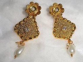 Arista Beautifully designed golden Earrings