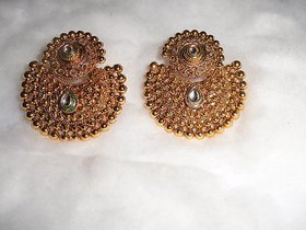 Arista Elegant Golden Earrings