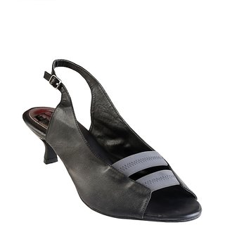 Eve Dior Women Black Sandals