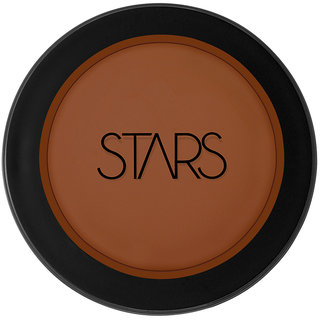Stars make up foundation (LE)