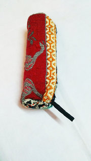 recycled handloom single zip pouch 5