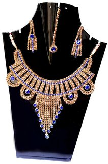 Aksh Trends Attractive And Trendy Stylish Gold Plated Necklace Set With Maang Tikka