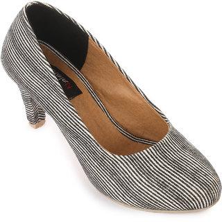 Naisha Women Black Heels