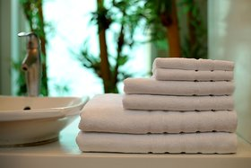 Bath Essentials,Set of 6, 100 Cotton, Plated Border, Super Soft and Absorbent, 600 GSM, 6 Piece 2 Bath 2 Hand 2 Face Towe, White
