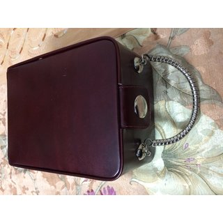 Medium Size Locker Fit Leather Jewellery Box with 5Tier Interior & Metal Handle