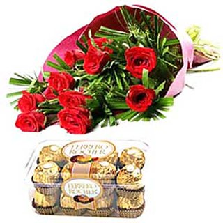 Red Roses And 16 Pcs Ferrero Chocolates DL3FLW114