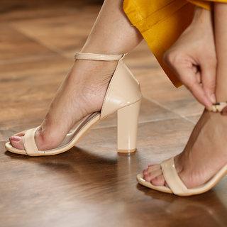 Ten Women Cream Heels