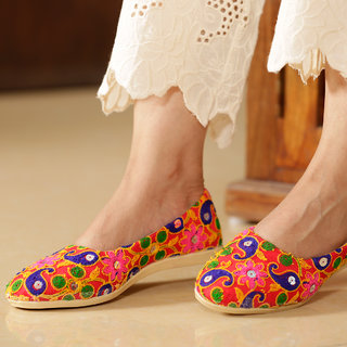 Meia Womens Multicolor Ethnic Flats