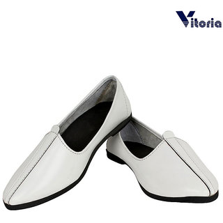 Vitoria Stylish White Juti For Men