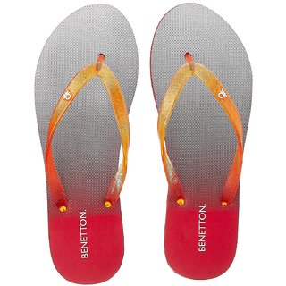 UCB Women's Grey Flip-Flops and House Slippers