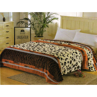 2ef86df95c Buy Welhouse India Tiger Printed double bed ac blanket Online - Get ...