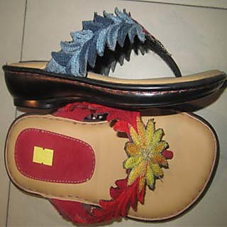 B-22 Italian Sole Light Weight  V.shap Chappal Color Red