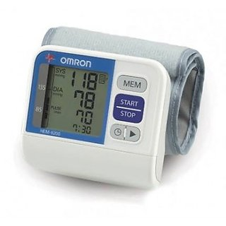 Omron BP Monitor Wrist (HEM-6200)