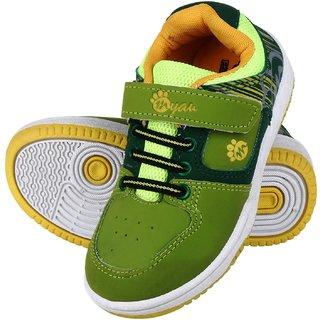 Myau Boys & Girls Velcro Sneakers (Green)