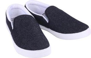 World Wear Footwear Men Black-723 Casual Loafers Shoes