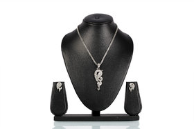 Bhurri'S Diamond Studded Silver Pendant Set