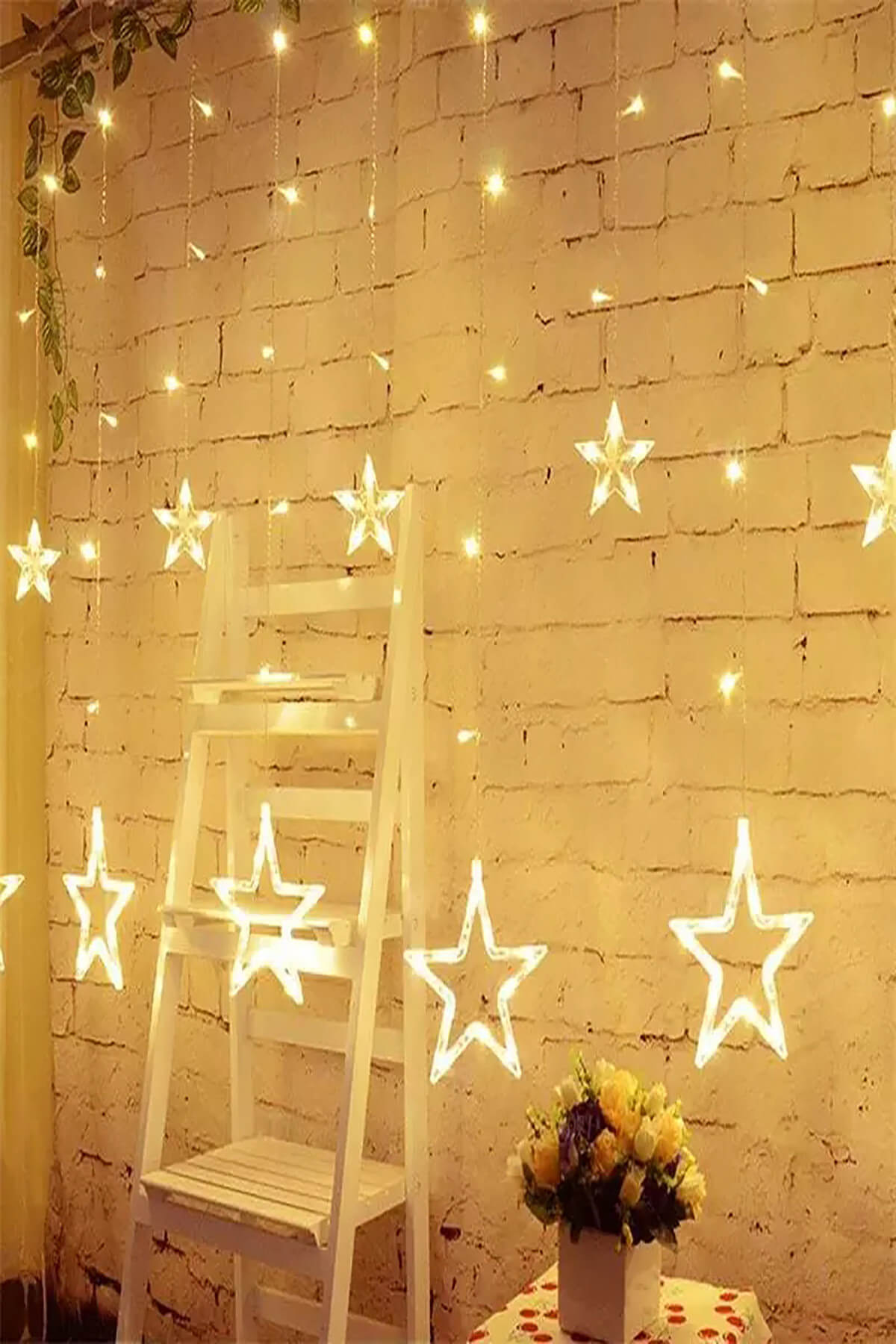 Generic AVN Elite B22 Warm White LED Curtain String Lights With Flashing/Blinking Modes  138 LED   12 Star