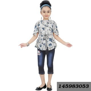 Girls Party Wear Top And Capri Set