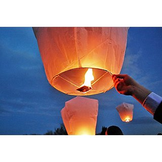 Crazy Sutra 8-Piece Make A Wish High Flying Sky Lantern Balloon with Fuel Wax Candle, Multicolour