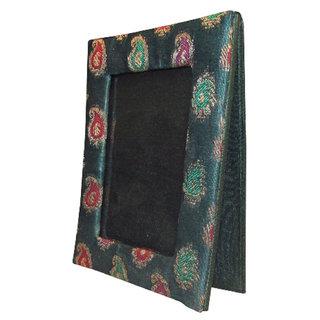 Indha Handmade Brocade Green Colour Single Photoframe