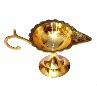 Nawani Brass Table Diya, Puja Diya with Curved Brass Handle for Grip (Set of 1), Size - 2.2/5 inch